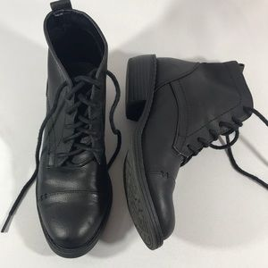 SAM & LIBBY Black lace up Booties/size 6